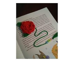 Закладка для книги зв'язана крючком